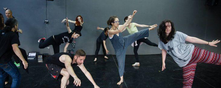 Totul pentru endorfine – Atelier de dans contemporan @Fabrica de Pensule
